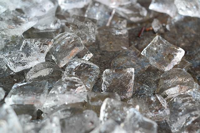 Elimine el moho con hielo.