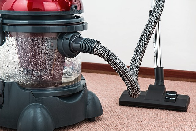 Cómo limpiar los bordes oscuros en una alfombra - yComo