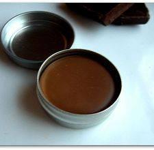 Como hacer balsamo labial simple de chocolate