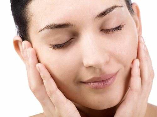 4 consejos para reducir los poros de la cara
