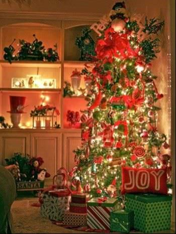 15 Christmas Tree Decorating Ideas1
