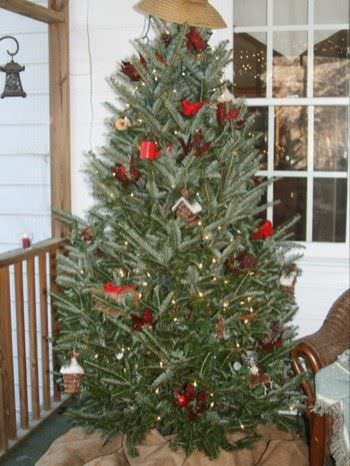 15 Christmas Tree Decorating Ideas12