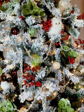 15 Christmas Tree Decorating Ideas3