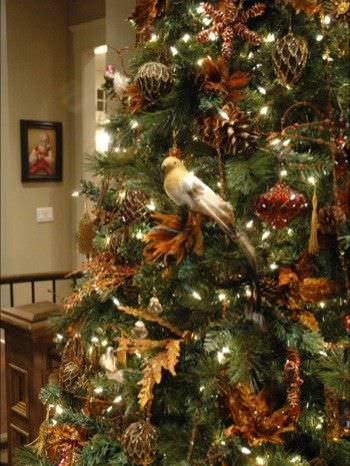 15 Christmas Tree Decorating Ideas6