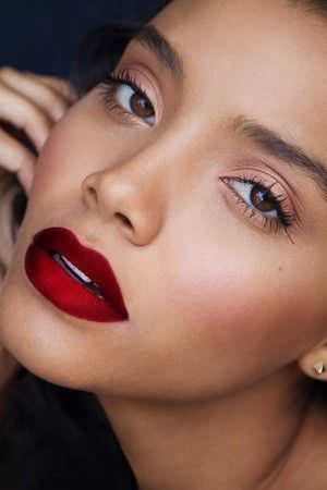Como elegir el lapiz labial que mejor complemente su tez5